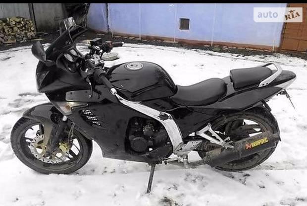 Spike ZZ CBR 1 покоління Мотоцикл