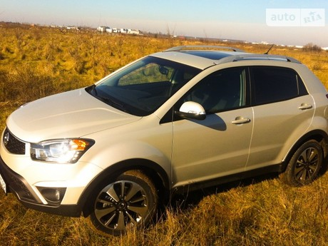 SsangYong Korando 2.0D AT (175 л.с.) 4WD 2012