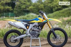Suzuki rm-z 1-е поколение Мотоцикл