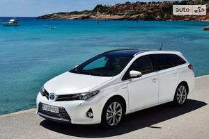 Toyota auris 2 покоління Универсал