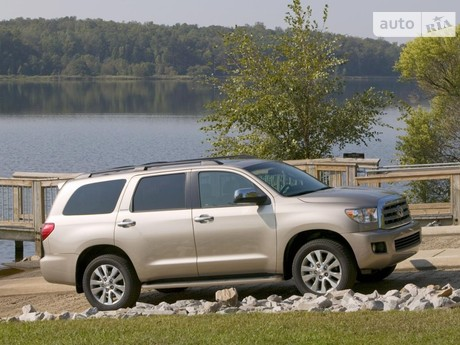 Toyota Sequoia 5.7 AT (381 л.с.) 2010
