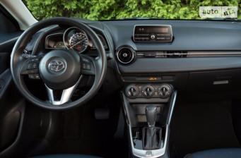 Toyota Yaris 1.3 CVT (99 л.с.) 2015