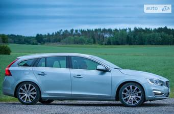 Volvo V60 Cross Country T5 2.0 АT (245 л.с.) AWD 2018