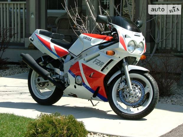 Yamaha FZR 6 покоління Байк