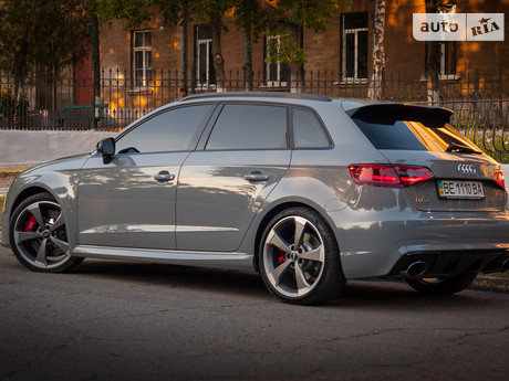 Audi RS3 2.5 TFSI AT (367 л.с.) quattro 2016