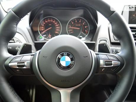 BMW M1 2011
