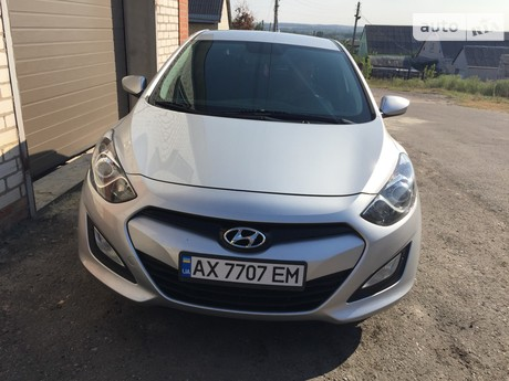 Hyundai i30 1.4 MT (107 л.с.) 2014