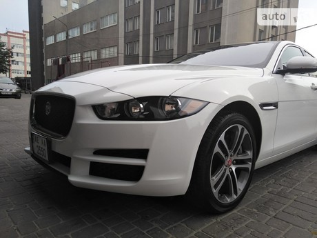 Jaguar XE 3.0 AT (380 л.с.) 2017