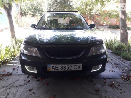 Mazda 323F 2001