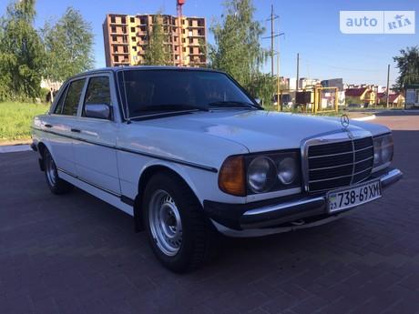 Mercedes-Benz 240 1980