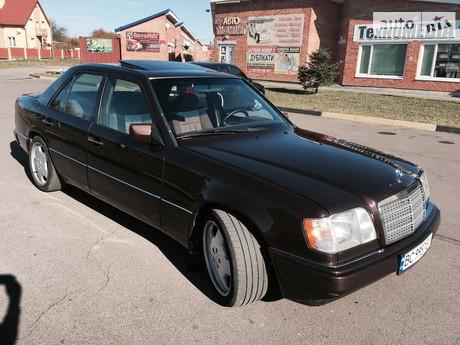 Mercedes-Benz E 220 1992