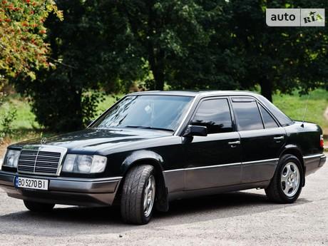 Mercedes-Benz E 220 1993