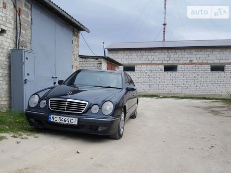 Mercedes-Benz E 220 2001