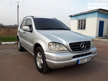 Mercedes-Benz ML 270 2000