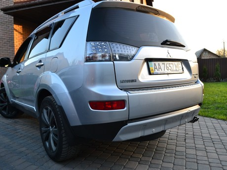 Mitsubishi Outlander XL 2.4 MT (170 л.с.) 2007