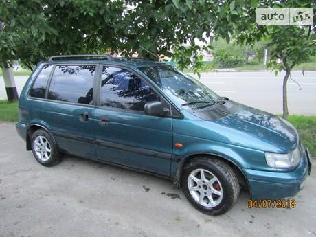 Mitsubishi Space Runner 1998