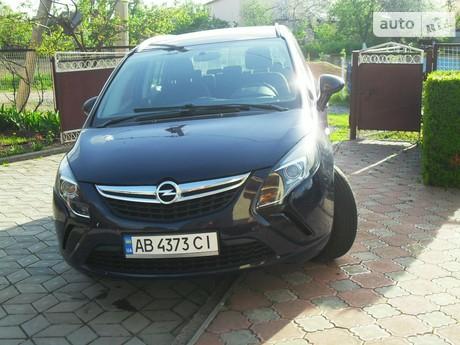 Opel Zafira 1.8 MT (140 л.с.) 2013