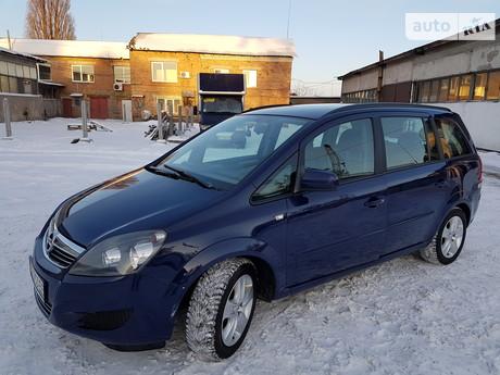 Opel Zafira 1.8 AT (140 л.с.) 2013