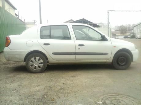 Renault Clio Symbol 2001