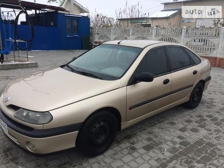 Renault Laguna 1.6 MT (115 л.с.) 1999