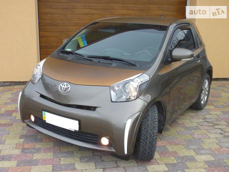 Toyota IQ 1.0 CVT (68 л.с.) 2011