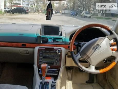 Toyota Progres 2000