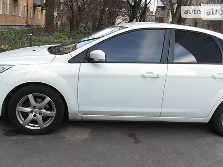 Ford Focus 1.6 MT (100 л.с.) 2011
