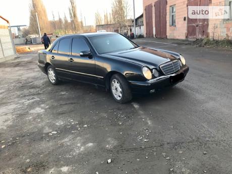Mercedes-Benz E 220 2000