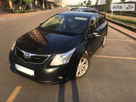 Toyota Avensis 2.0 AT (152 л.с.) 2011