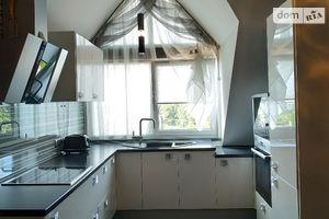 Продается 1-комнатная квартира 55 кв. м в Ужгороде