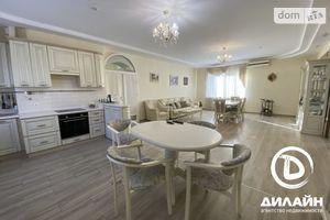 Продается дом на 2 этажа 346 кв. м с террасой