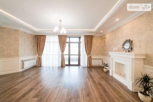 Продается 3-комнатная квартира 112.2 кв. м в Ужгороде