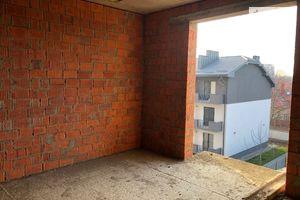 Продается 1-комнатная квартира 43.23 кв. м в Ужгороде