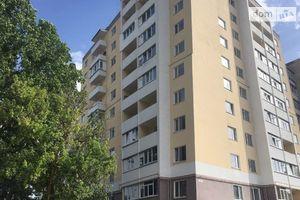 Продается 3-комнатная квартира 86 кв. м в Чернигове