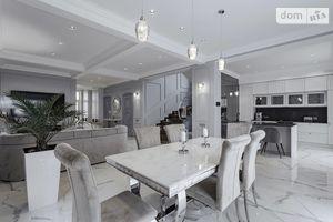 Продается дом на 2 этажа 248 кв. м с участком