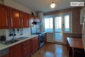 Продається 4-кімнатна квартира 86 кв. м у Одесі