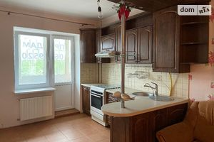 Продається 2-кімнатна квартира 72.1 кв. м у Рівному