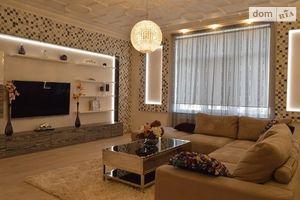 Сдается в аренду 3-комнатная квартира 200 кв. м в Киеве
