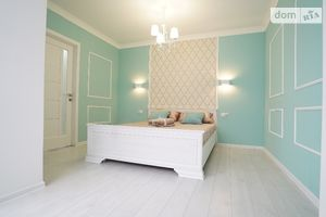 Продается 2-комнатная квартира 76 кв. м в Виннице