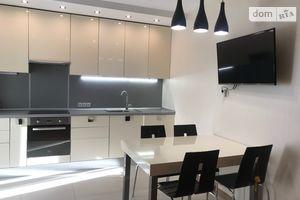 Продается 2-комнатная квартира 86.6 кв. м в Киеве