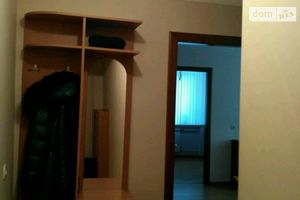 Сдается в аренду 2-комнатная квартира 47 кв. м в Черновцах