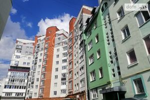 Продается 3-комнатная квартира 86 кв. м в Тернополе