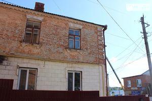Продается 4-комнатная квартира 77 кв. м в Жмеринке