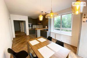 Продается 3-комнатная квартира 80 кв. м в Ивано-Франковске