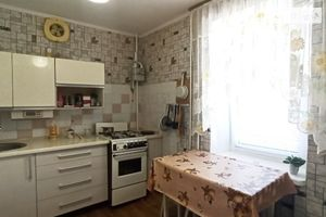 Продається 4-кімнатна квартира 70 кв. м у Вінниці