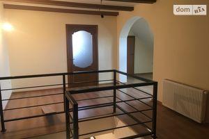 Продается 4-комнатная квартира 110 кв. м в Ужгороде