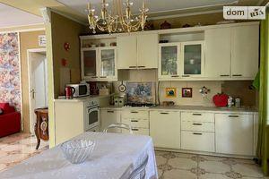 Продається 3-кімнатна квартира 117 кв. м у Львові
