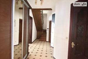 Продается офис 301 кв. м в нежилом помещении в жилом доме