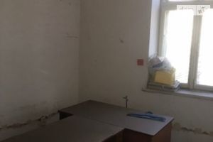 Продається офіс 14 кв. м в нежитловому приміщені в житловому будинку