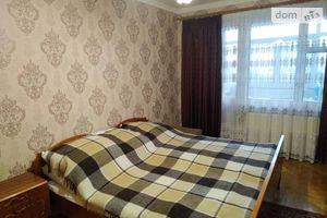 Продается 3-комнатная квартира 73 кв. м в Мукачеве